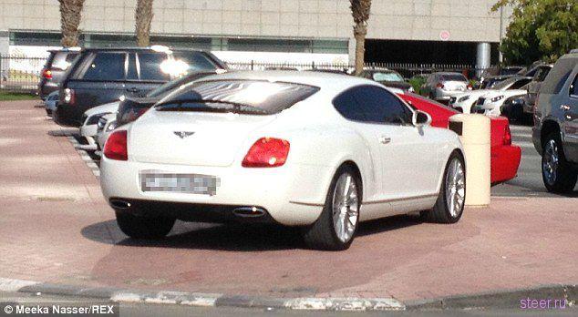 Студенческий автопарк у Американского Университета в Дубаи