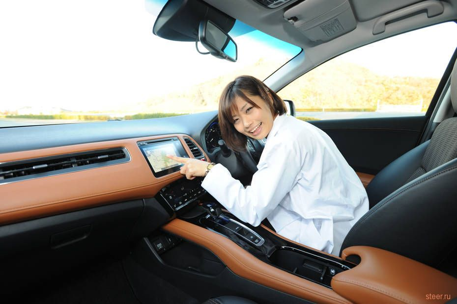 Honda начинает продажи в Японии нового кроссовера Vezel