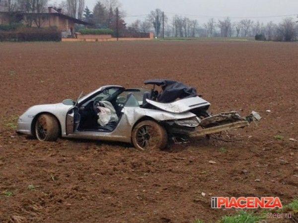 В Италии Porsche 911 проверил на прочность Defender