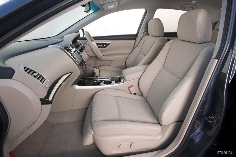 Nissan начинает продажи нового поколения седана Teana в Японии