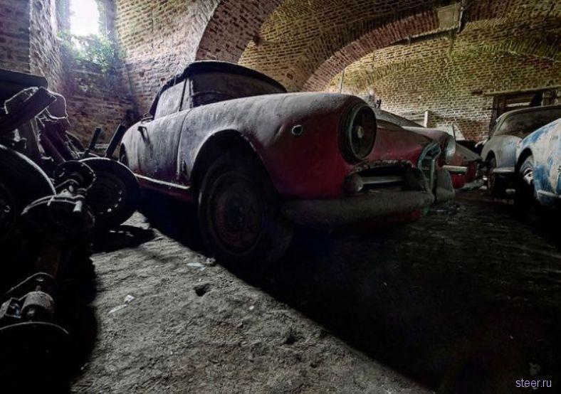 Автопарк автомобилей «Альфа-Ромео» простоял в подземелье 40 лет