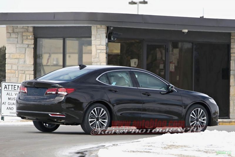 Серийную версию Acura TLX засняли во время тестов