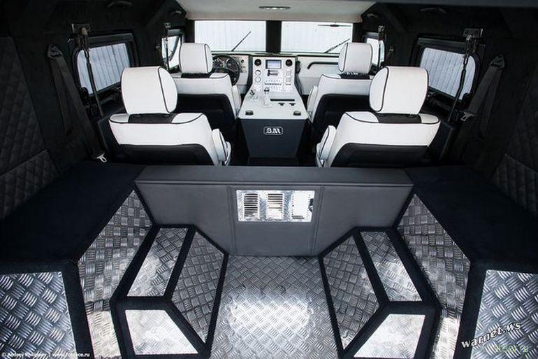 Люксовая модификация бронированного внедорожника ГАЗ Тигр