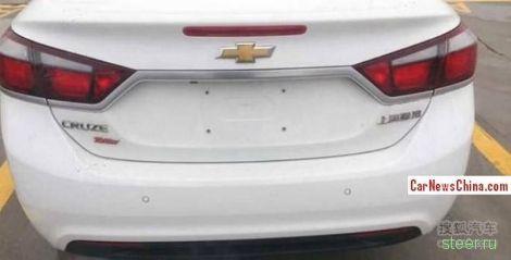 Первые фото нового Chevrolet Cruze без камуфляжа