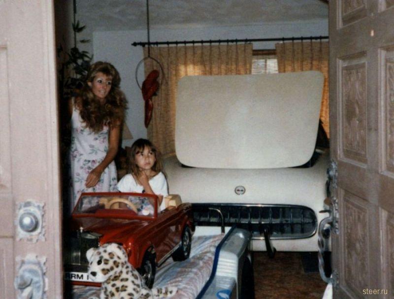 Корвет, замурованный на 27 лет в подвале