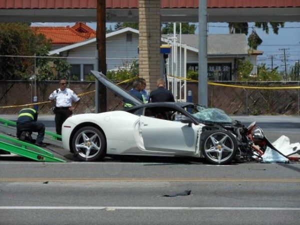 Ужасная авария Hyundai Accent и Ferrari 458 Italia