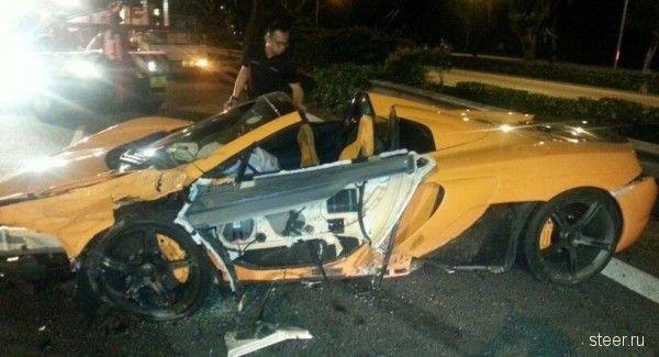 В Сингапуре разбили совершенно новый суперкар McLaren 650S