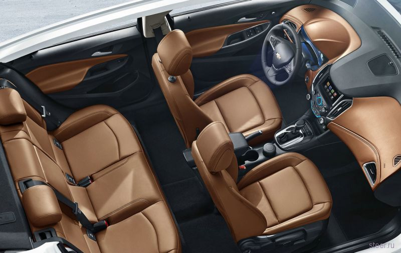 Первые изображения интерьера нового Chevrolet Cruze