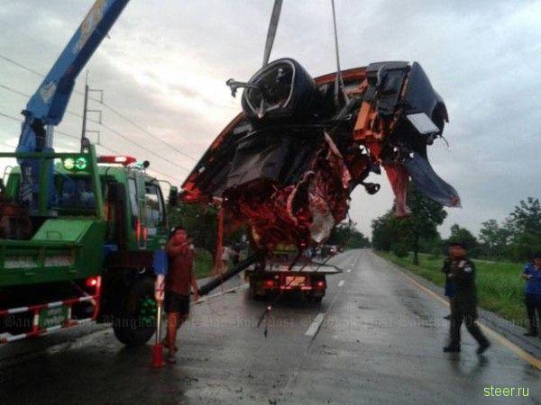 Lamborghini Gallardo разорвало на куски.