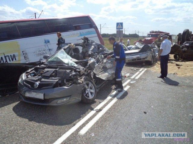 4 человека погибли в страшном ДТП под Краснодаром