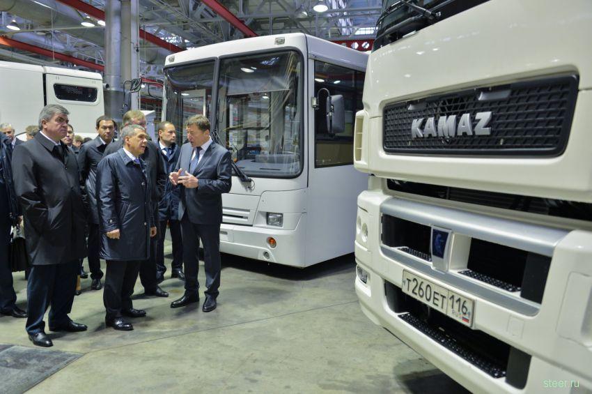 Представлены новые разработки КАМАЗа : тягачи 65206
