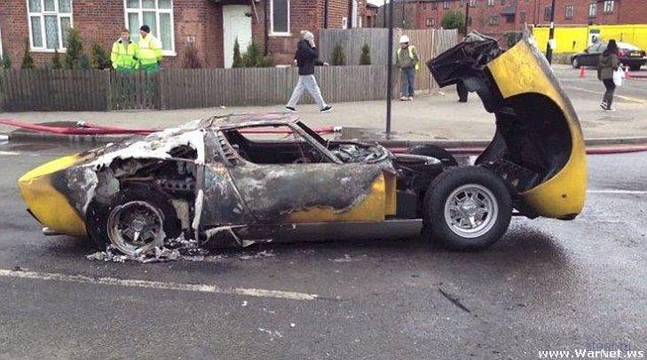 Автомеханик неправильно подобрал свечи для раритетного Lamborghini