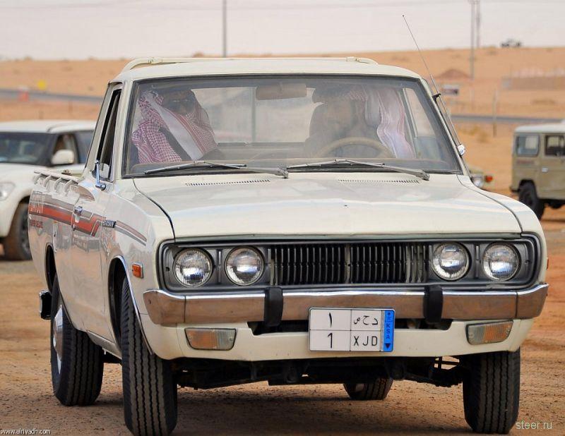 Выставка ретроавтомобилей в Саудовской Аравии