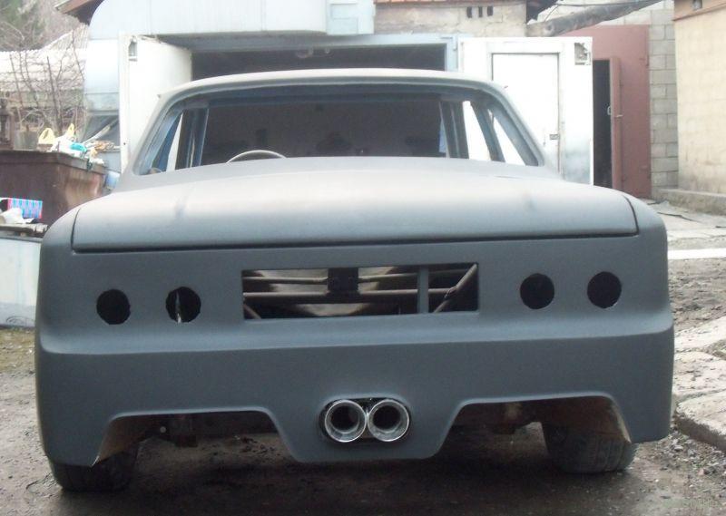 Запорожец ЗАЗ 968 стилизованный под мустанг