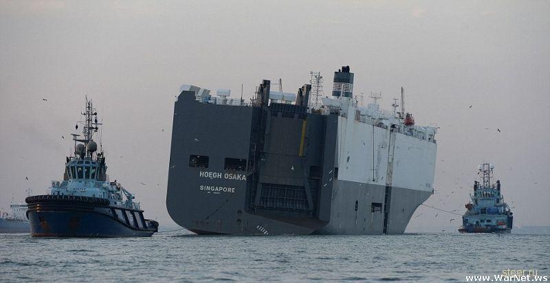В перевернувшемся корабле-автовозе не все машины пострадали одинаково