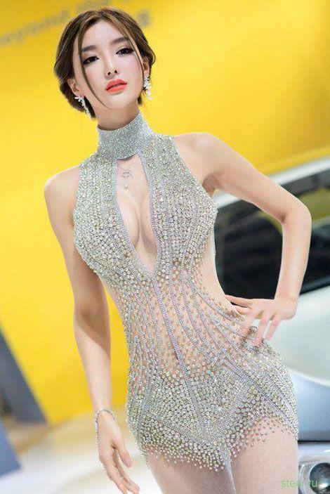 На моторшоу в Шанхае отказались девушек-моделей