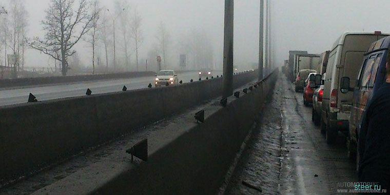 Из-за тумана 27 автомобилей столкнулись под Санкт-Петербургом