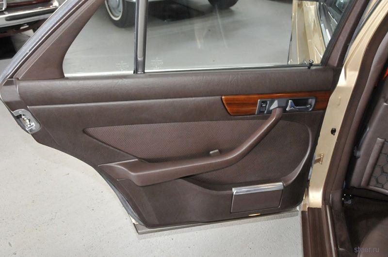 Mercedes-Benz W126 1982-го года с пробегом 2510 км