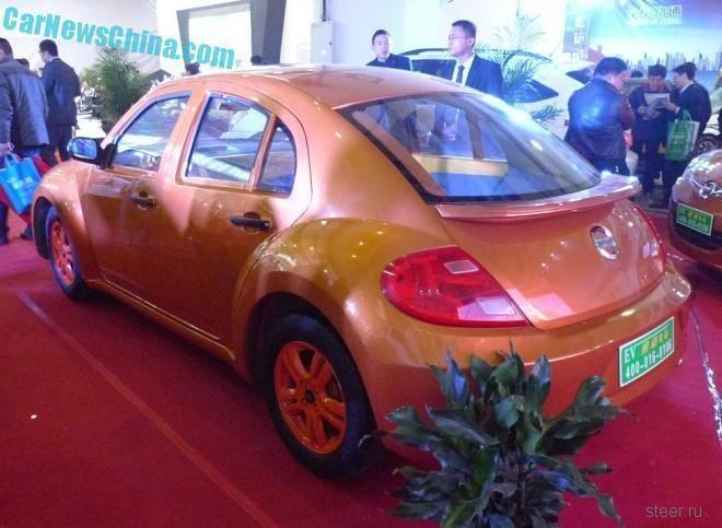 Китайский клон VW Beetle снабдили двумя дополнительными дверями
