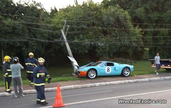 В Бразилии разбили редкий суперкар Ford GT
