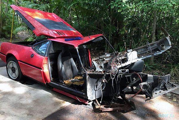 Разбитый в 1980-х суперкар BMW M1 продали за $125 000