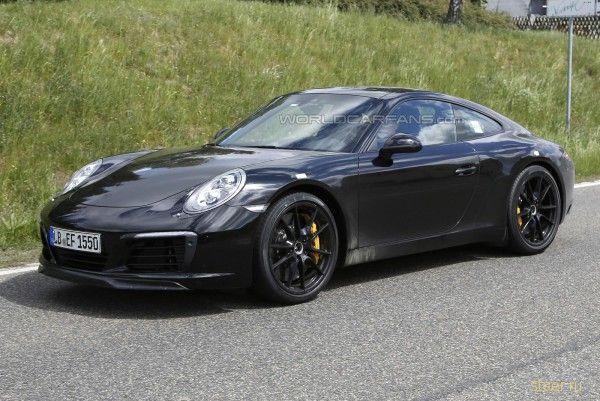 Первые фото нового Porsche 911 без камуфляжа