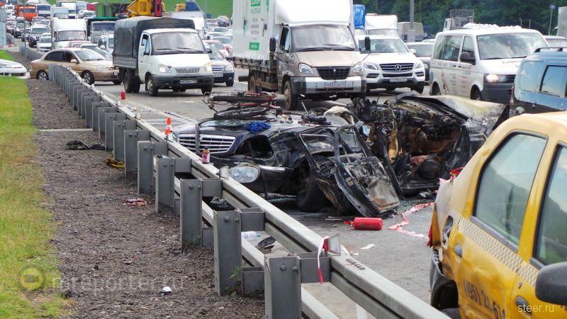 Пассажирка автомобиля сгорела в результате ДТП на 28 км МКАД