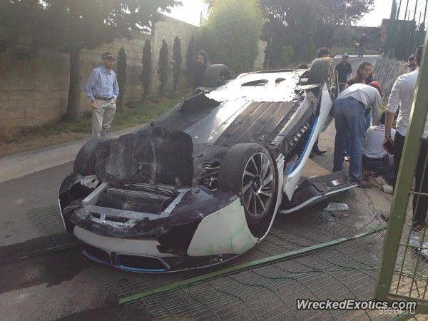 Мексиканский тест-драйв: Журналист разбил BMW i8