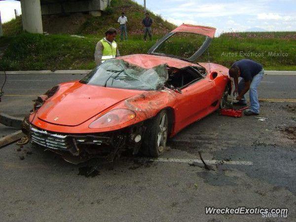 В Мексике разбили Ferrari 360 Modena