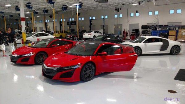 Первые фото новой Acura NSX