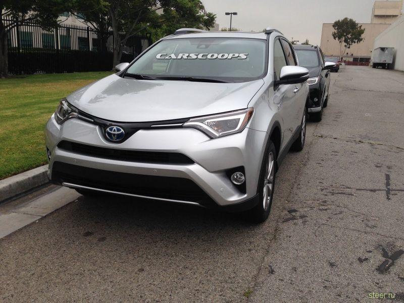 Первые фото обновленного Toyota RAV4