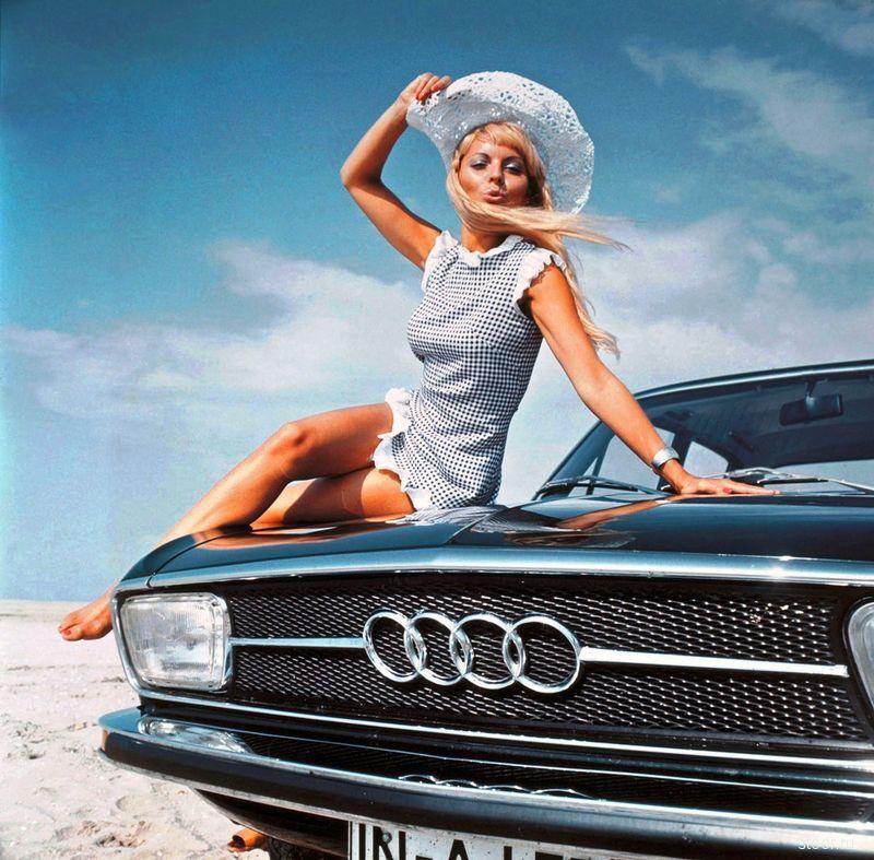 Сексуальная ретро-реклама автомобилей