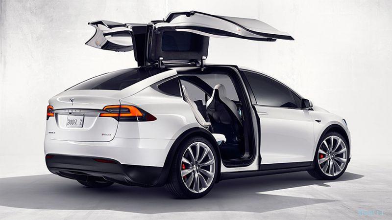 Самый доступный Tesla Model X оказался быстрее Porsche Cayenne GTS