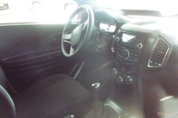 Первые фотографии салона новой Chevrolet Niva