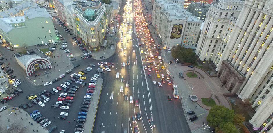 В Москве появилась изогнутая разметка