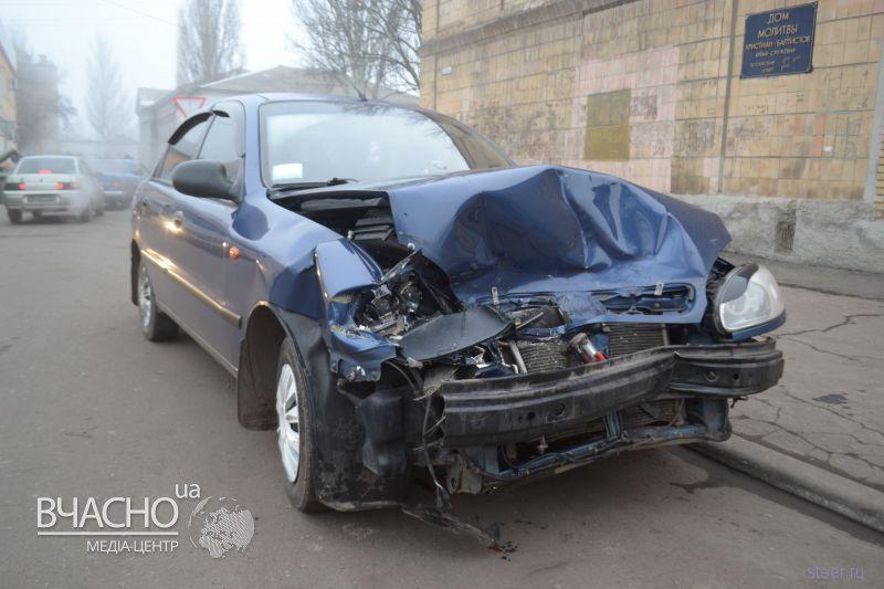 Лобовое столкновение Daewoo «Lanos» и «УАЗ»