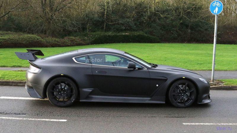 Первые фото гоночного Aston Martin Vantage