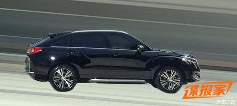 В сети появились фото нового премиального кроссовера Honda UR-V