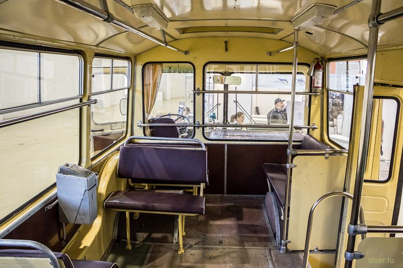 ЛиАЗ 677 : шедевр советского промдизайна
