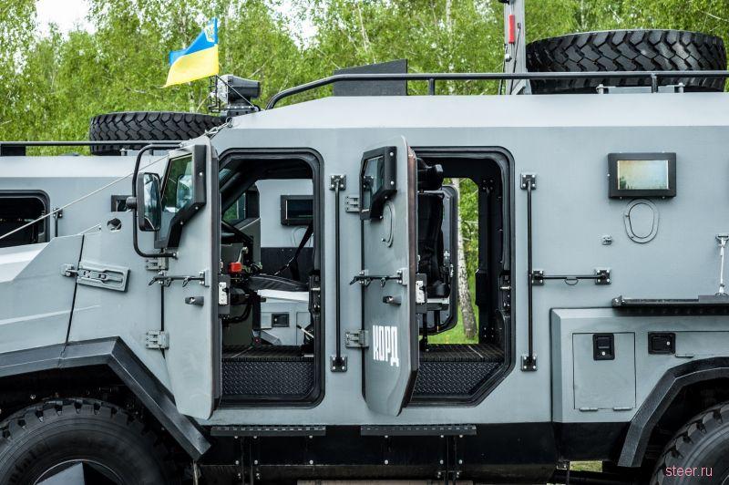 Украина представила новый бронированный внедорожник СБА «Варта»