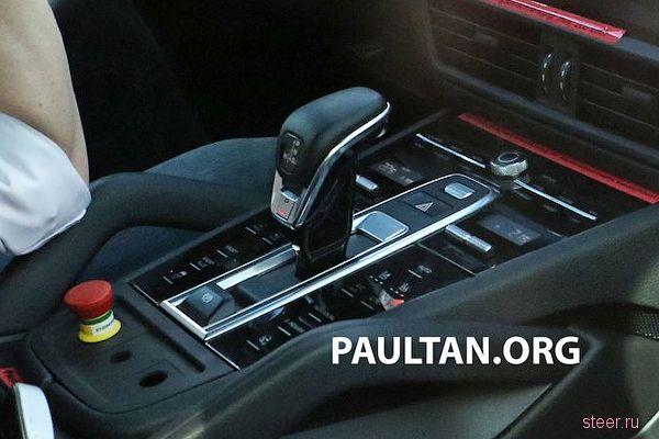 Первые фото салона нового Porsche Cayenne
