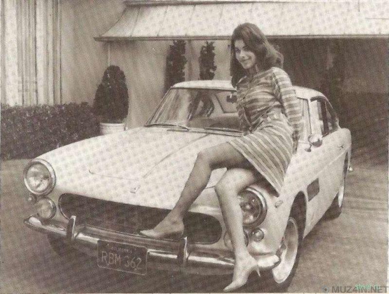 Как в 1977 году в США похоронили Ferrari со светской львицей внутри