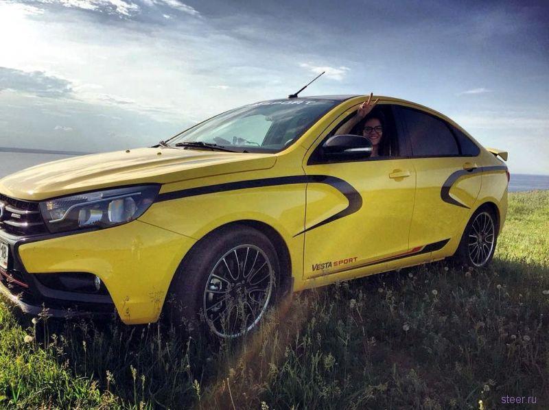 Первую Lada Vesta Sport получил гендиректор завода Lada Ижевск Михаил Рябов