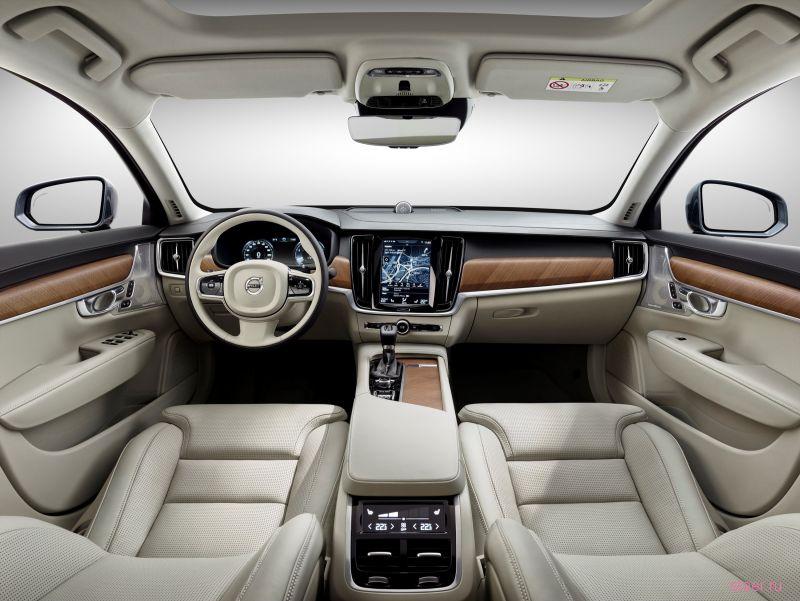 Новый флагманский Volvo S90: от 2 млн 641 тысячи рублей