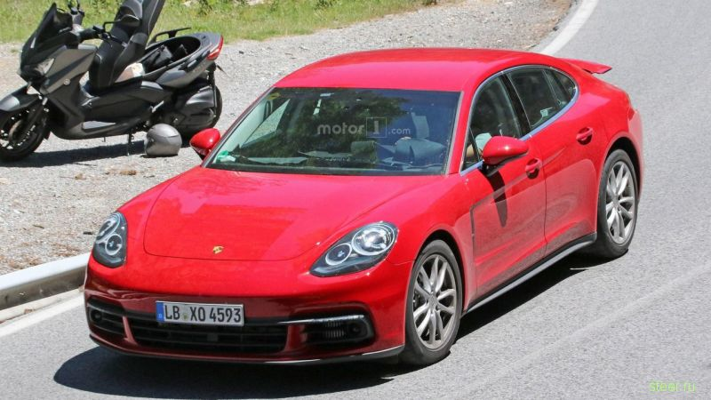 Первые фото новой Porsche Panamera без камуфляжа
