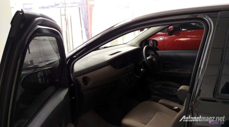 Новые фото компактвэна Toyota Calya
