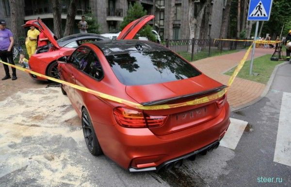 В Литве BMW M4 протаранила Ferrari California