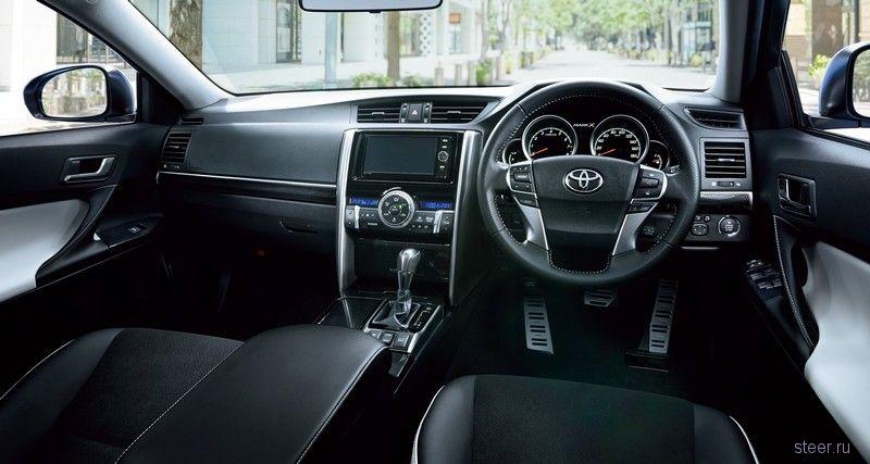 Toyota представила обновленный седан Mark X