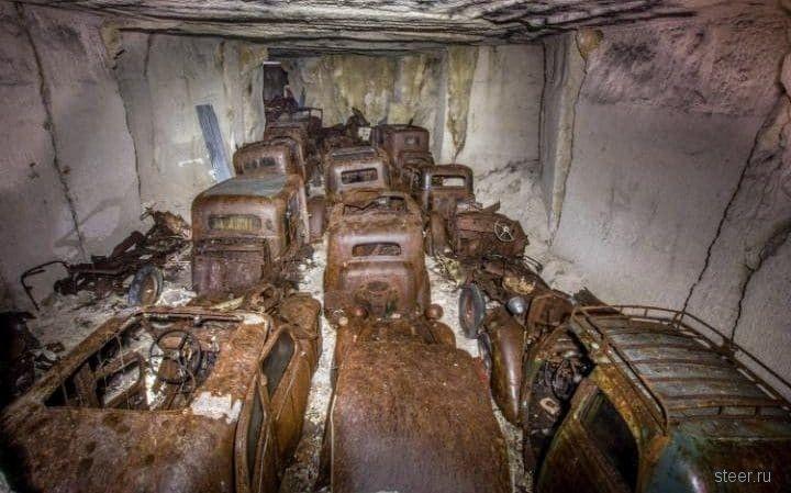 Клад из брошенных раритетных авто нашли во Франции