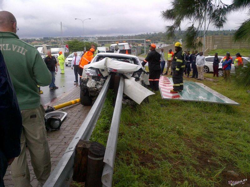 Почему не стоит спешить на мокрой дороге